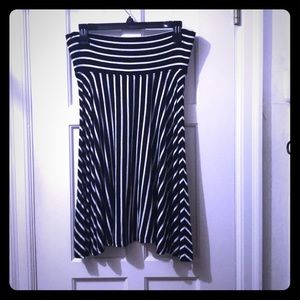 Comfy black and white striped skirt